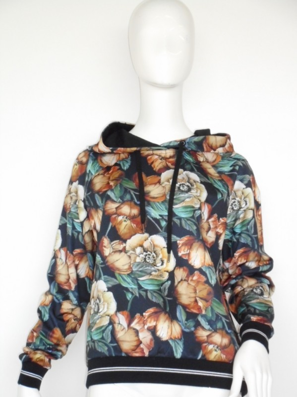 Margittes Sweater/flower